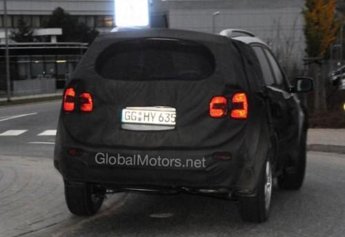 Kia Sorento - Noi imagini cu interiorul modelului din 20103339