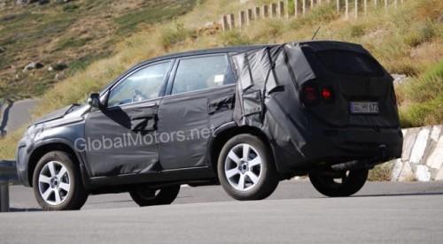 Kia Sorento - Noi imagini cu interiorul modelului din 20103341