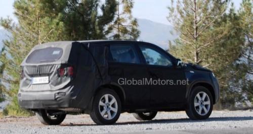 Kia Sorento - Noi imagini cu interiorul modelului din 20103342