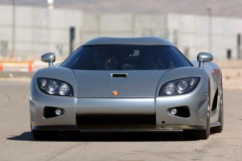 Koenigsegg sau un milion de dolari - O grea alegere...3081
