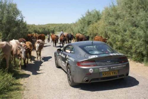 Aston Martin V8 Vantage vs Asia!2423