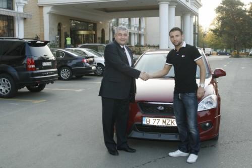 Kia Romauto a incheiat un parteneriat de imagine cu Razvan Rat2123