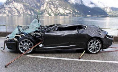 $350,000 pentru un Aston Martin DBS accidentat2091