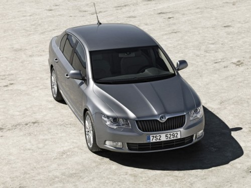 Noua Skoda Superb2085