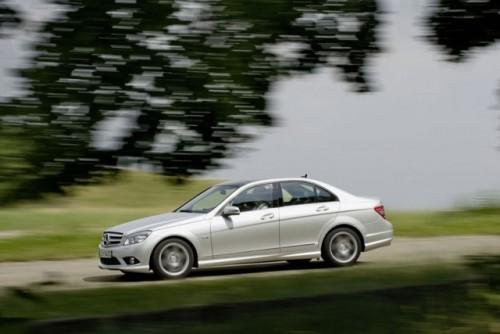 Mercedes paseste in tabara verde!1735