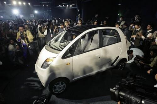Tata a prezentat modelul Nano, cea mai ieftina masina din lume332