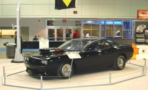 Dodge Challenger SRT8320