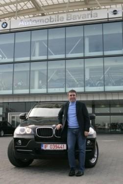 Gheorghe Hagi si Ilie Nastase, la volanul noului BMW X5159