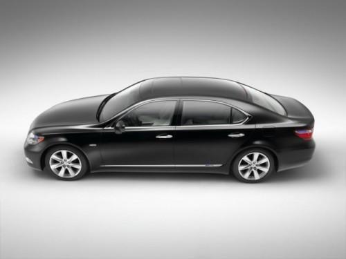 Lexus in premiera la SIAB100