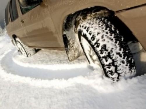 Ordonanta privind obligativitatea anvelopelor de iarna, adoptata de Senat46009