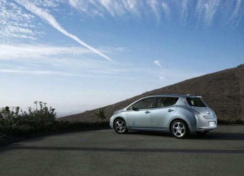 Nissan Leaf este World Car of the Year 201145876