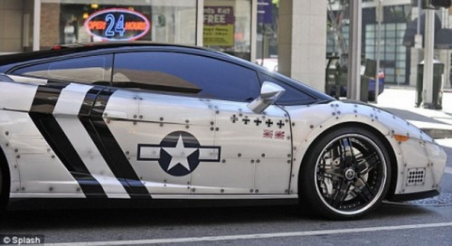 chris brown lamborghini avion