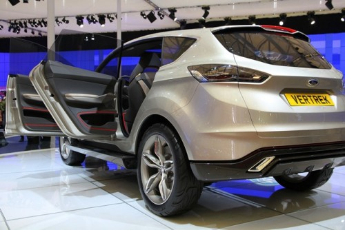 Noul Ford escape