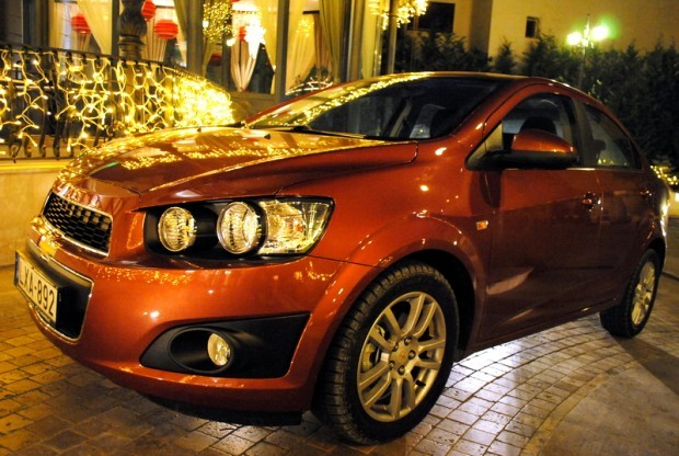 Definitia sedanului de familie capata noi dimensiuni. Chevrolet Aveo sedan este noul sistem de referinta.