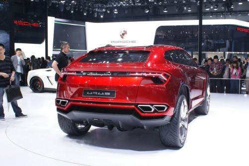 SUV Bentley si Lamborghini