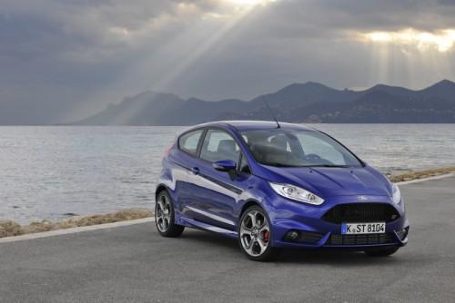 Ford cucereste piata auto