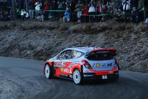 Dani Sordo si Bryan Bouffier vor lua startul in Raliul Germaniei la volanul modelului Hyundai i20 WRC