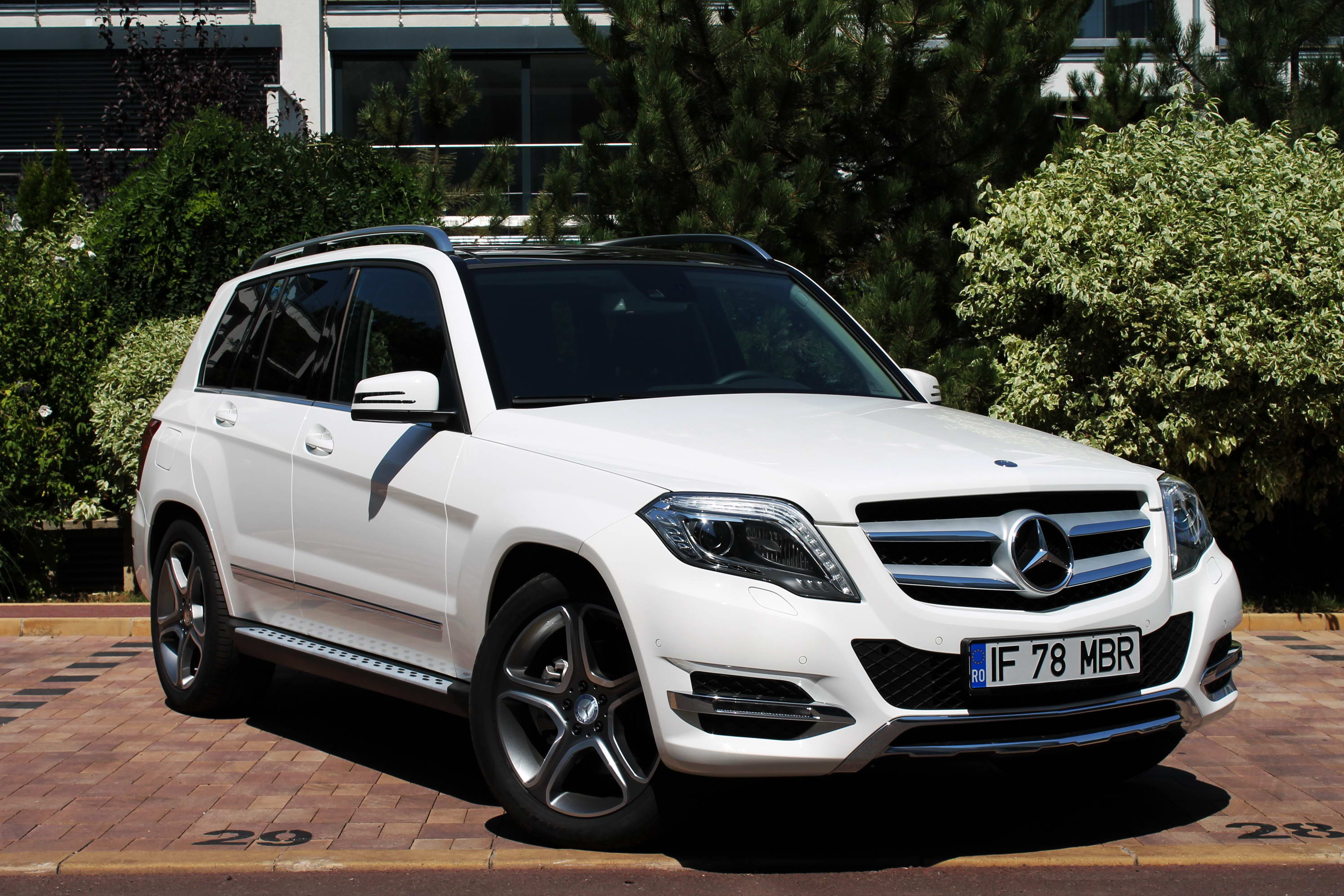 foto mercedes benz glk 220 cdi blueefficiency 4matic 115140. Black Bedroom Furniture Sets. Home Design Ideas