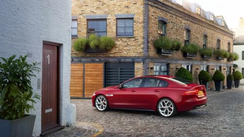 Noul Jaguar XE