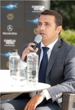 """Mercedes-Benz România susține câștigătorii concursului național de înot """"Camelia Potec. În căutarea viitorilor campioni"""""""