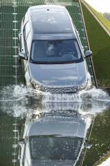 Land Rover Discovery Sport, debut în stil britanic la Paris