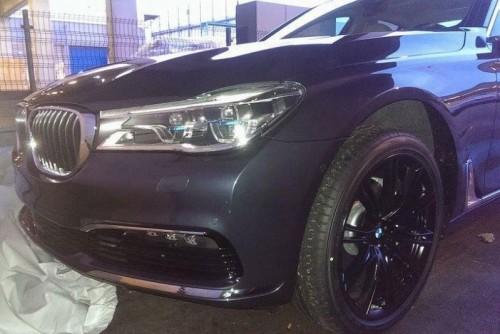 BMW Seria 7 2016, surprins fără camuflaj