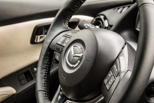 Mazda 2 G115 Revolution Top MT5