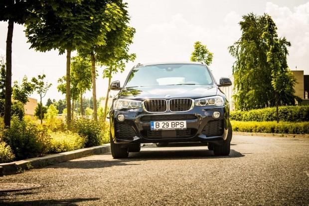 Un model care reușește cu succes să combine punctele forte ale modelelor BMW X cu eleganţa sportivă a unui coupe clasic