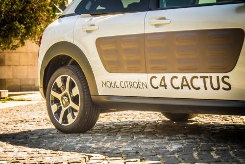 Citroen C4 Cactus 1.2 VTi BVM5 Shine