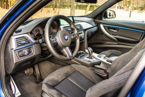BMW 320d xDrive AT