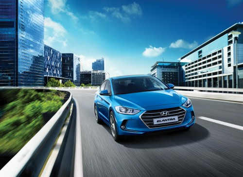 Noua generatie Hyundai Elantra este disponibila in Romania