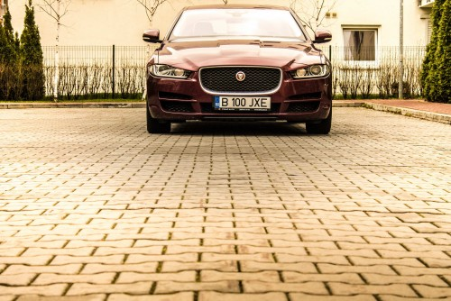 Jaguar XE 2.0 t AT8
