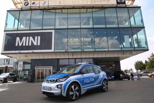 BMW i3, primul automobil electric folosit de Poliţia Română