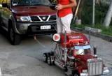 VIDEO: Incredibil, o masinuta-macheta tracteaza un SUV!45666