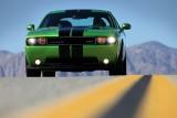 Dodge Challenger se inverzeste de invidie41012