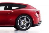 OFICIAL: Iata noul Ferrari FF!40049