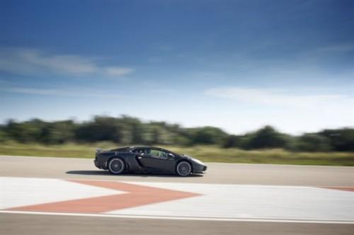 Lamborghini are deja 50 de comenzi pentru Aventador!38286