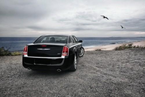 GALERIE FOTO: Noi imagini cu modelul Chrysler 300!38190