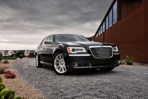 GALERIE FOTO: Noi imagini cu modelul Chrysler 300!38192
