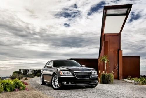 GALERIE FOTO: Noi imagini cu modelul Chrysler 300!38196