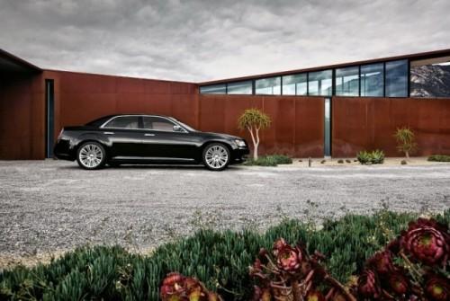 GALERIE FOTO: Noi imagini cu modelul Chrysler 300!38198