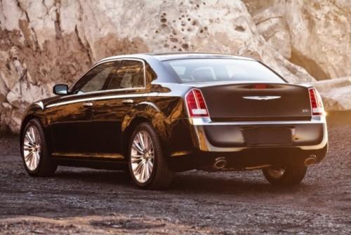 GALERIE FOTO: Noi imagini cu modelul Chrysler 300!38199