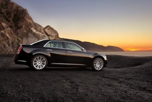 GALERIE FOTO: Noi imagini cu modelul Chrysler 300!38201