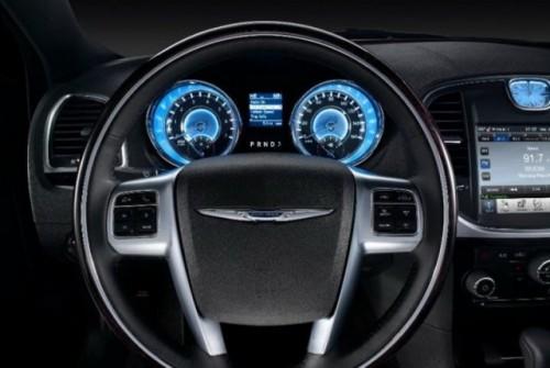 GALERIE FOTO: Noi imagini cu modelul Chrysler 300!38203