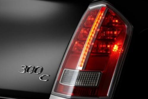 GALERIE FOTO: Noi imagini cu modelul Chrysler 300!38204