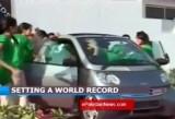VIDEO: Record mondial, 19 adolescente intr-un Smart ForTwo38086