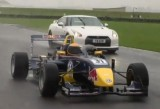 VIDEO: Nissan GT-R vs monopost Formula 335954