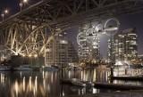 The Audi Spectacle: 4 masini agatate de unul dintre cele mai emblematice poduri din lume33902