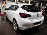 PARIS LIVE: Standul Opel33456