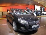 PARIS LIVE: Standul Opel33457